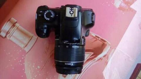 Câmara Canon 1100D