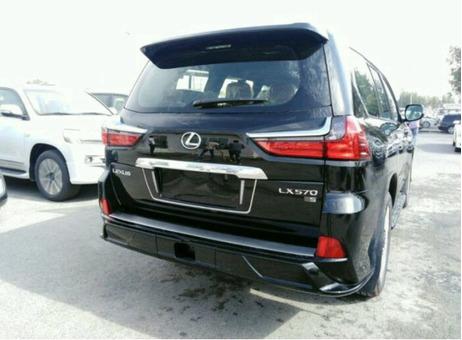 Vende-se esta viatura de marca  Lexus 0km